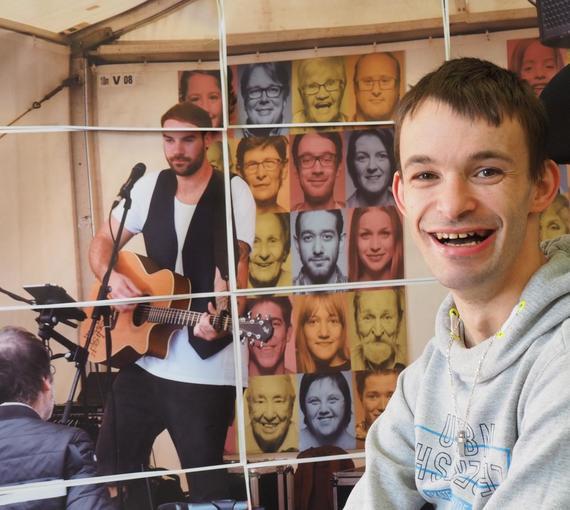 Menschen mit Behinderung drücken sich kreativ aus